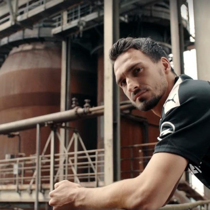 Borussia Dortmund player Mats Hummels in front of the old blast furnace at Walas PHOENIX West